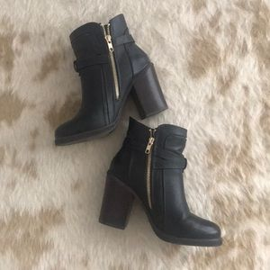 Like-new Forever 21 ankle booties